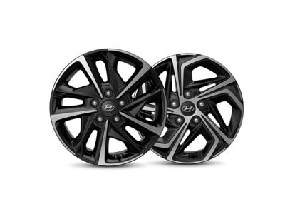 Detail image of a Hyundai diamond-cut alloy wheel